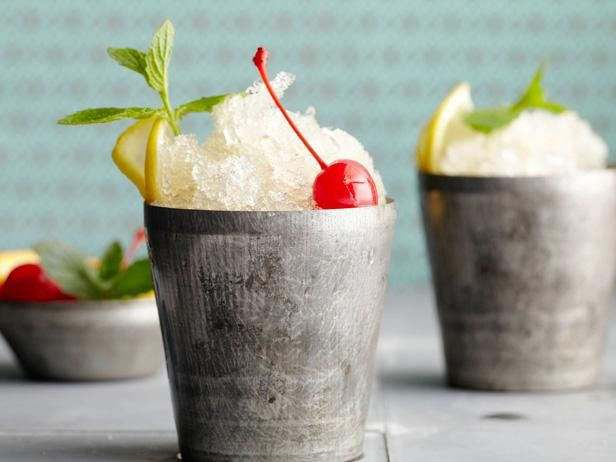 Classic Cocktails That Are Anything but Old-Fashioned: Signature Drinks, Bobby Flay, Mint Julep Recipes, Summer Cocktails, Flay Mint, Beverages, Mint Julip, Food Blog, Mintjulep
