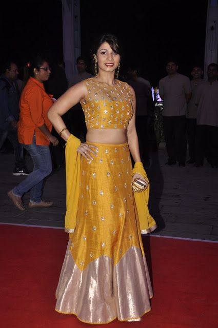 Tanishaa Mukerji in Payal Singhal's Golden Lehenga at Kush Sinha's Wedding Reception