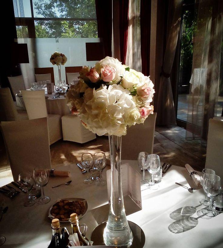 """1 aprecieri, 1 comentarii - Floraria Dorothy's (@florariadorothys) pe Instagram: """"Wedding details.. #white #and #pink #wedding #cluj #nunticluj #nuntacluj #clujnapoca #clujlife…"""""""