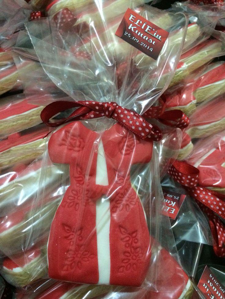 Bekarlığa veda partileri ve kına gecesi için kurabiye tasarımlarımız.. siparis@taptatliseyler.com