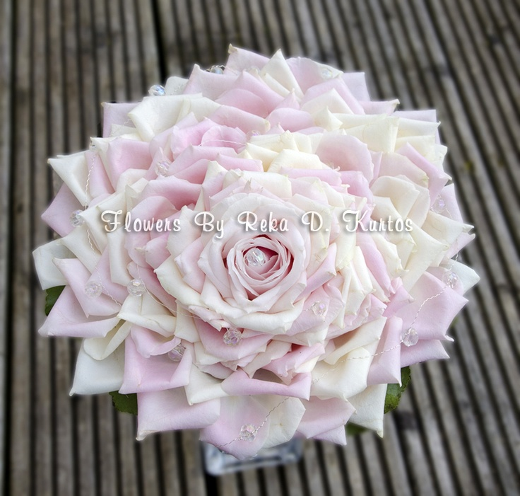 Carmen rose bouquet