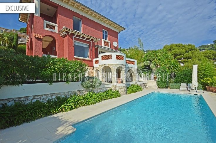"Co-exclusive mandate In quiet and residential surroundings, beautiful villa ""bourgeoise"" of 165 sqm set on 680 sqm of land with swimming pool and panoramic sea views. This villa is in perfect condition. #luxuryvillas #BeaulieuSurMer #NicolasPisani  http://www.nicolaspisani.com/en/villa-sale-detail/villas/1892-for-sale-in-villefranche-sur-mer-beautiful-villa-bourgeoise-165-sqm-680-sqm-of-land-panoramic-sea-view-cellar-garage-parking.cfm"