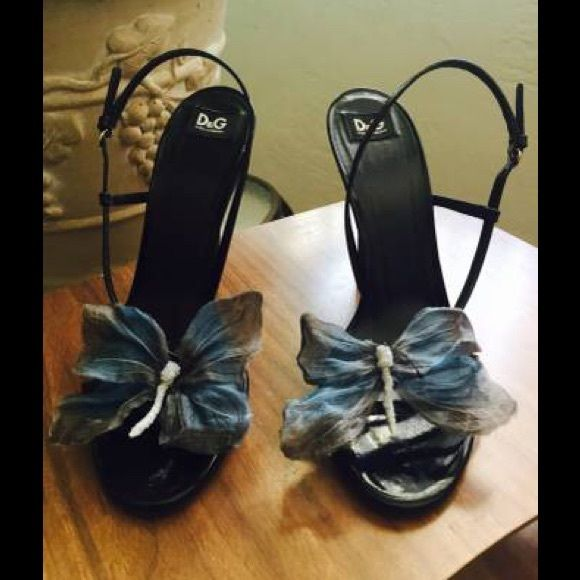 """D&G lady's Shoes, size 39 or 8.5 Black Leather shoes with straps, D&G brand, size 39 european or 8.5 USA, produced and bought in Italy, original and in perfect conditions like new. It has a butterfly detail over the straps, silk, that makes them unique and elegant for special occasions, dinners or daily wear. High hill, 4"""". You will feel very elegant and sophisticated wearing those unique type of shoes. D&G Shoes"""