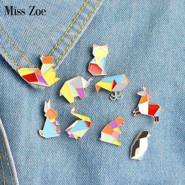 La señorita Zoe 9 unids/set Origami Conejo Oso Elefante Ardilla Zorro Cisne Broche de Joyería Pines Botón Pin Badge Cartoon Chaqueta de Mezclilla regalo