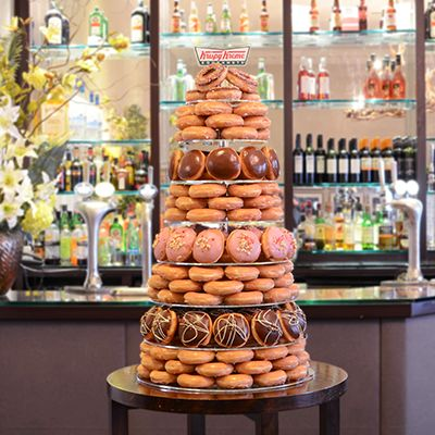 krispy kreme wedding cake stand 77 best krispy kreme wedding treats images on 5351