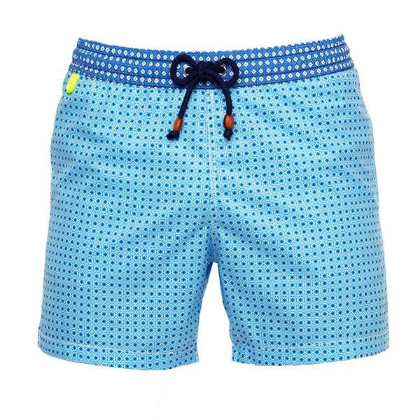 Découvrez Gili's Swimwear, une marque français de short de bain aux couleurs et motifs superbes. Pour être un gentleman même en tong cet été.