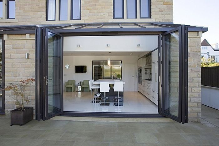 baie vitr e pliante coulissante en aluminium apropos tectonic limited aluminium lean to. Black Bedroom Furniture Sets. Home Design Ideas