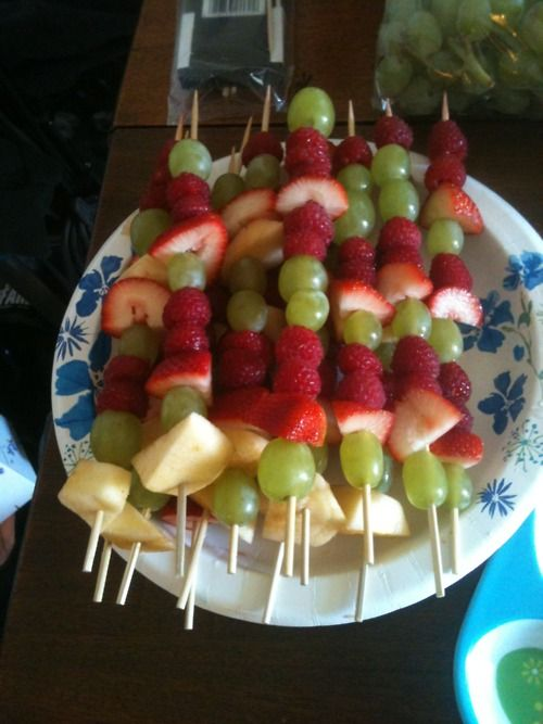 healthy snack! fruit kabobs!