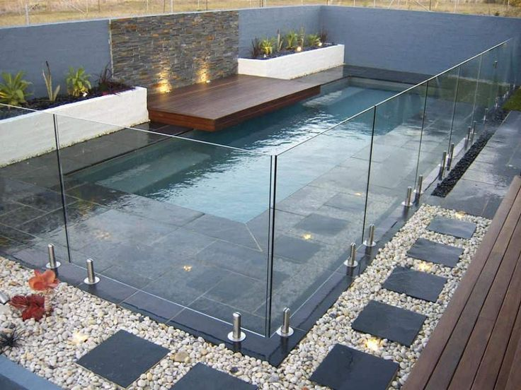 Small Swimming Pool With Glass Fences : Pool Ideas For Your Small Backyard