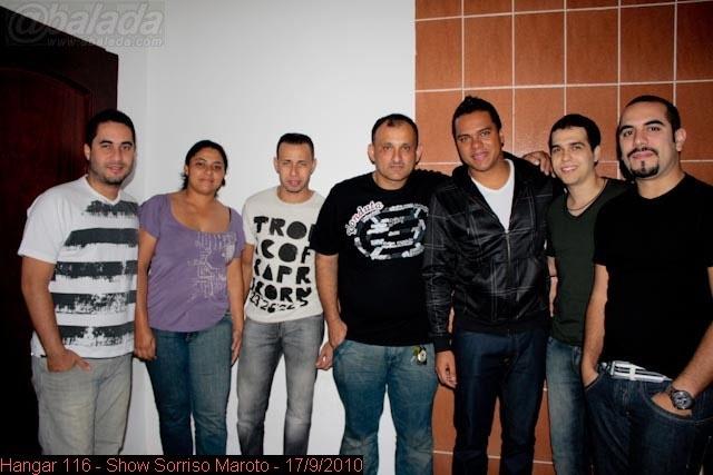 Camilo e o grupo Sorriso Maroto