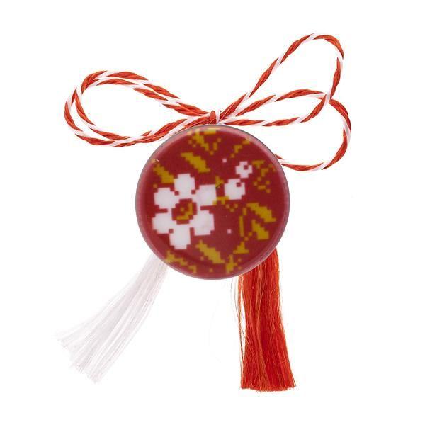 Broșă mărțișor tip pin roșie cu flori brodate