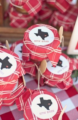 Texas theme cowgirl Bridal Shower | Getting Hitched