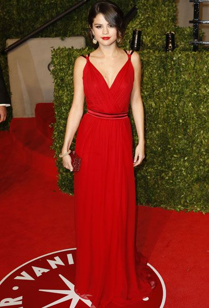 Selena Gomez Style at 2011 Vanity Fair Oscar Party