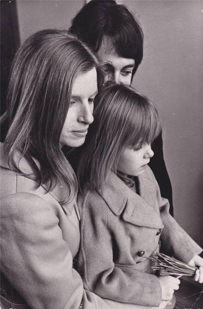 Paul Linda Heather McCartney 1969 Press Wire Photo Type 1 Photograph LOA Beatles