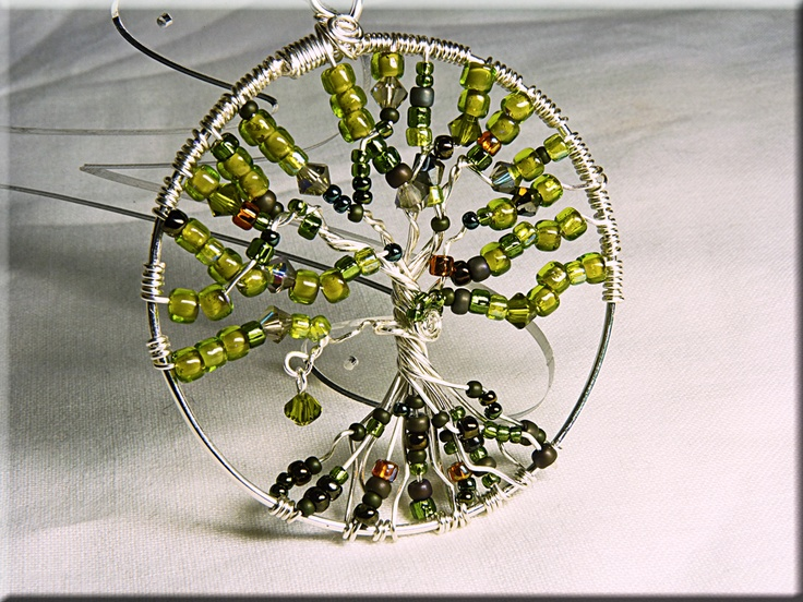 I tried to make this before and it involved beads being shot around the room and a scratched cheek from the angry shards of wire.Diy Ideas, Gift Ideas, Chat Group, Trees Of Life, Jewelry, Wire Trees, Beads Chat, Creative Beads, Angry Shard