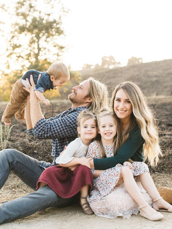 Natural light rustic outdoor family photos by Elate Family (100 Layer Cakelet) – Mati Palacios