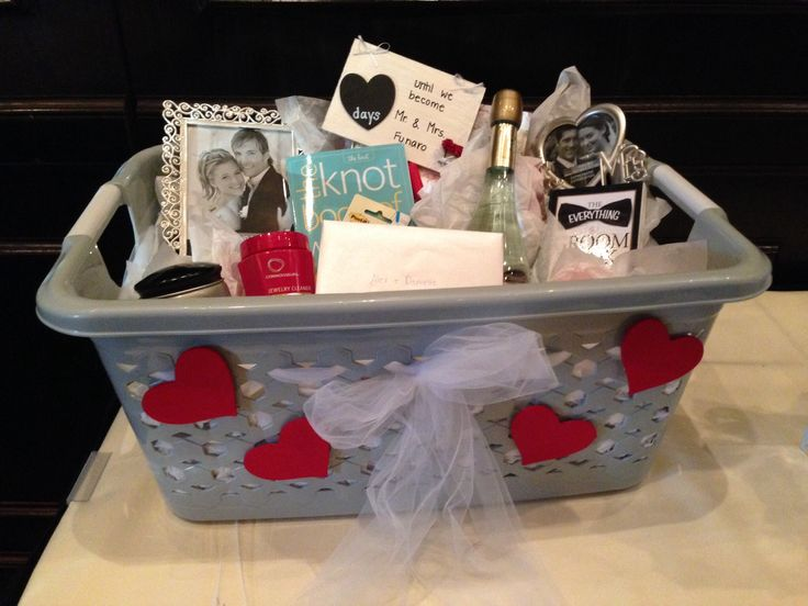 Best 25+ Engagement gift baskets ideas on Pinterest | Engagement ...
