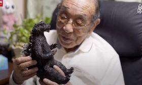 Θρήνος στην Ιαπωνία: Πέθανε ο πρώτος Γκοτζίλα της χώρας (vid)   Το μυθικό τέρας που όρισε την Ιαπωνική κουλτούρα παλεύοντας εναντίον και μετά υπέρ της ανθρωπότητας ο μεταλλαγμένος Γκοτζίλα που για δεκαετίες υπενθυμίζει τον εφιάλτη  from Ροή http://ift.tt/2ulCKV3 Ροή