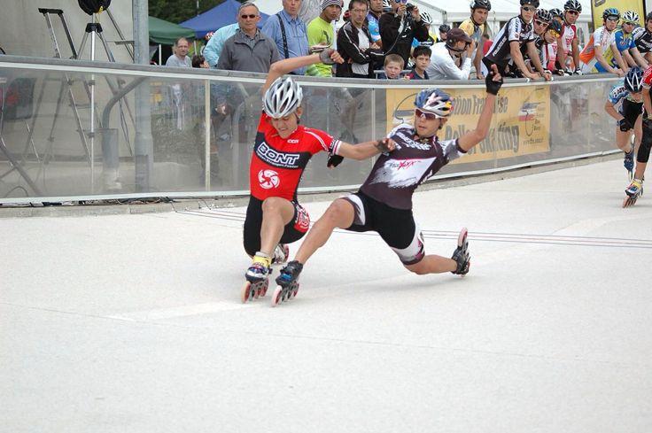 Hawk! Inline speed skate.