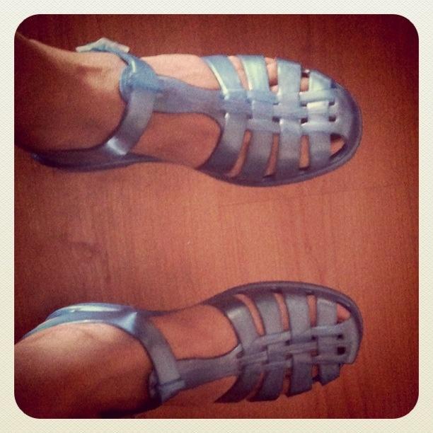 I sandaletti dell'estate ci potevi andare anche nell'acqua