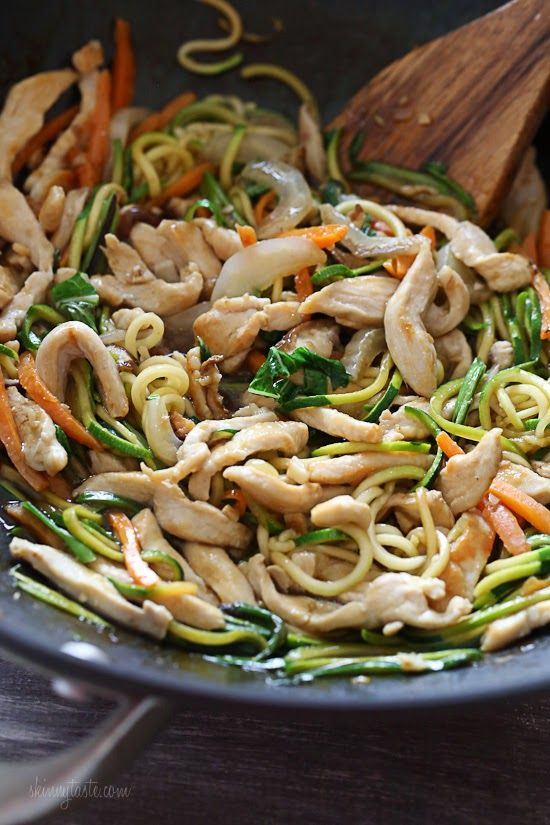 """Chicken Zoodle """"Lo Mein"""" For Two   Skinnytaste - http://www.skinnytaste.com/2015/01/chicken-zoodle-lo-mein-for-two.html"""