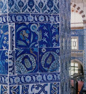Rustem Paşa Camii | İznic tiles and list of suggested readings on Ottoman architecture & tiles. Cornucopia Magazine