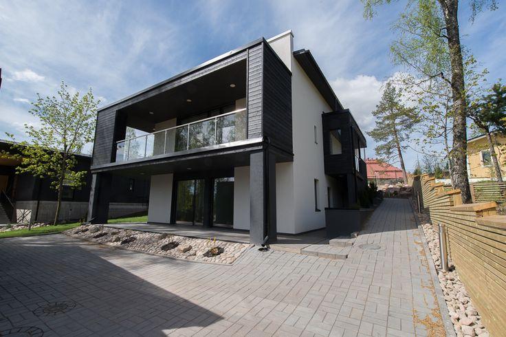 Hakusanat: Kotitehdas, Passiivikivitalo, kivitalo, arkkitehti Pet Michael