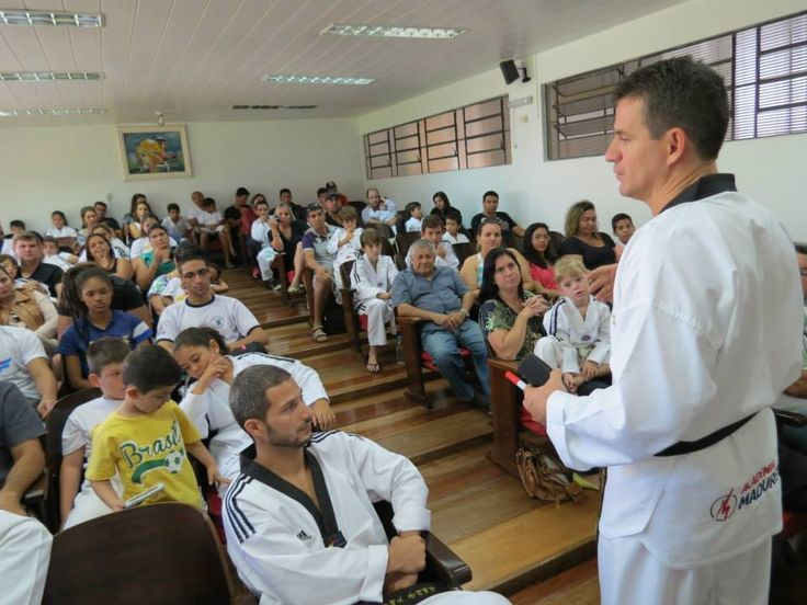 Técnico da Seleção Brasileira de Taekwondo vem a Jacarezinho - http://projac.com.br/noticias/tecnico-da-selecao-brasileira-de-taekwondo-vem-jacarezinho.html