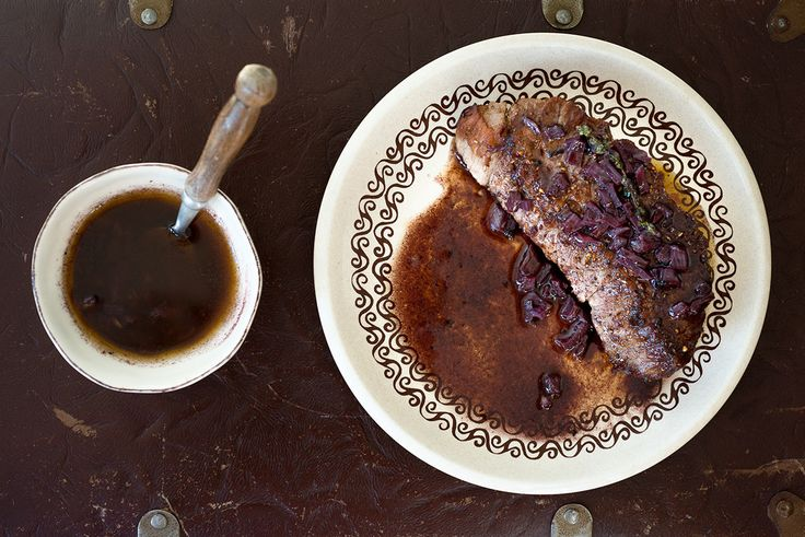 Steak Bordelaise is een klassieker. Hoe maak je nu een lekkere bordelaisesaus? Met dit recept wordt het een lekkere bordelaise.