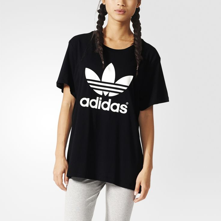 This soft women's t-shirt features a relaxed boyfriend fit for modern, comfy style. The tee is made with a drapey cotton-modal blend. A rubber-print Trefoil logo on the chest and a flag label on the left side seam give it the adidas touch.