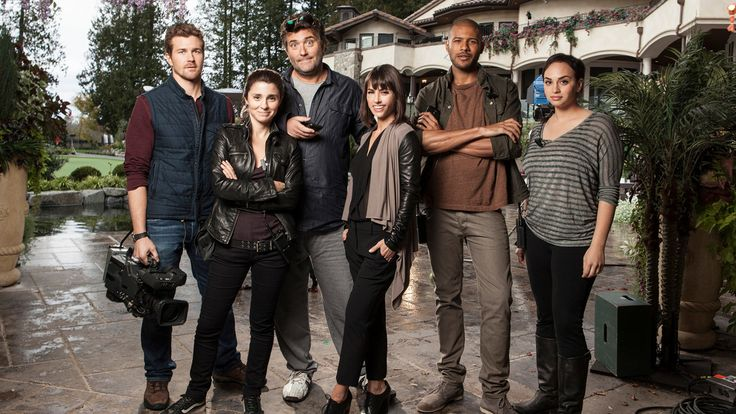 watch tvshow: UnREAL online streaming,