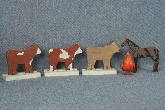 3 vacas de madera y un caballo de madera animales de por aFarmOfArt