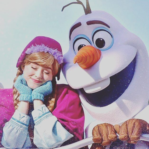 Bem vindo inverno !  #frozen #inverno #anna #elsa #letitgo #cute #winter #disney #olaf http://misstagram.com/ipost/1542375967249896915/?code=BVnnsU2B5XT
