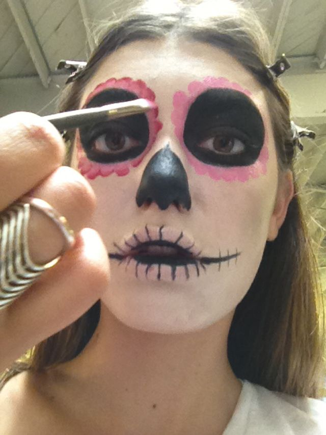 how-to: day of the dead make-up Check more at http://blog.blackboxs.ru/category/cooking/