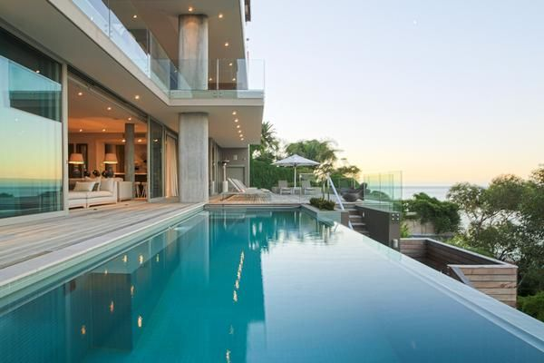 Luxury, multi-storey villa with wi-fi problems solved by Maxxim SmartWifiSolution