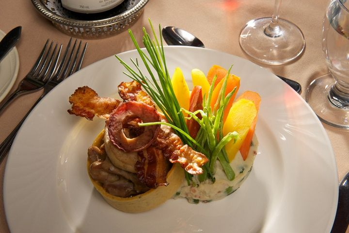 Déjeuner au Manoir du lac William tourismeregionthetford.com #gastronomie #manoir