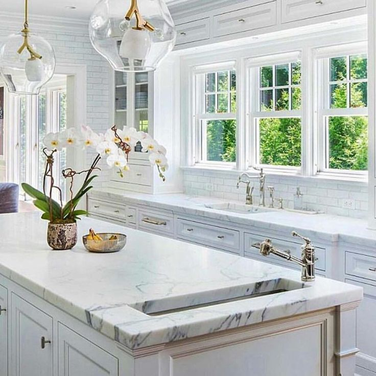 2500 Best Kitchens, Butler's Pantries And Breakfast Rooms