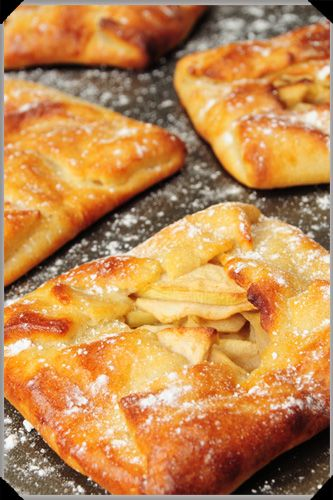 Mini Apple Galettes~ Im hopeing these can be frozen and warmed in the toaster later. I want to make a big batch