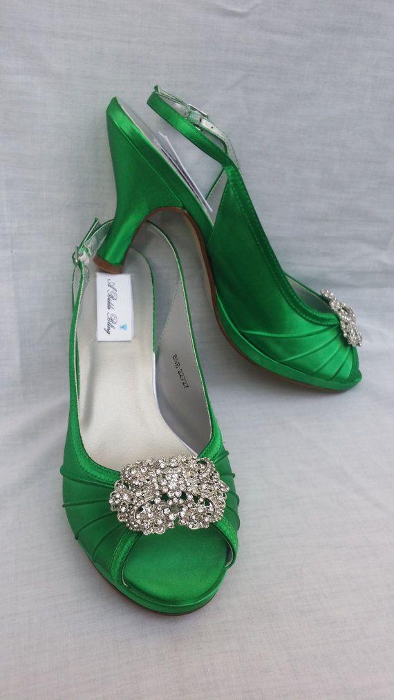 Hochzeit Schuhe Kelly grün Braut Schuhe Sling wieder Schuhe Vintage inspirierte Brosche über 100 individuelle Farbauswahl