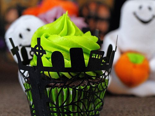 Graveyard Cupcakes!