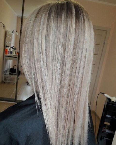"""Blonde😍   И снова """"Солнце в волосах"""". Вот такое нежное, плавное и красивое. Такое окрашивание не обязывает вас подкрашивать корни каждый месяц. По мере отрастания все будет выглядеть мягко, меланжево. Достаточно поддерживать цвет 1 раз в 2-3 месяца."""
