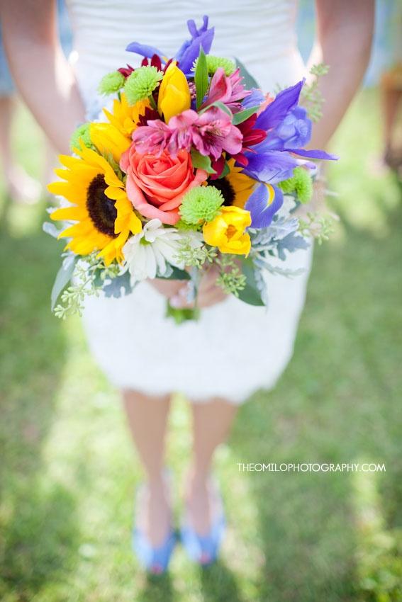 beautiful wedding boquet, i love the vibrant colors!    www.theomilophotography.com