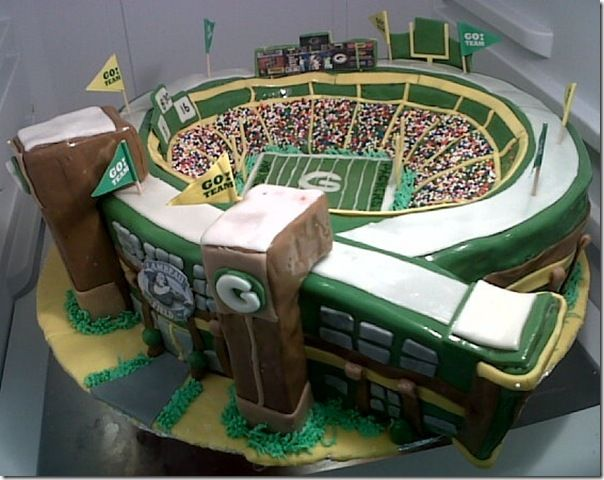 Lambeau Field Cake  that is an awesome cake! ~Hey Mom, I want this cake for my birthday!
