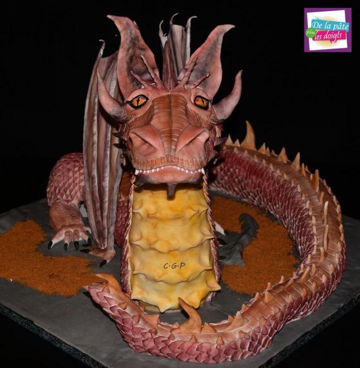 """Sculpted cake """"Dragon""""  - Cake by De la Pâte plein les doigts"""