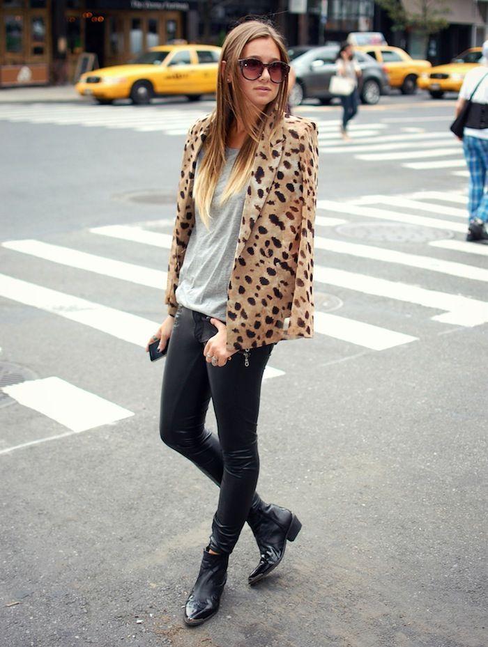 love it all: Fashion Models, Ankle Boots, Leopards Blazers, Black Boots, Prints Blazers, Street Style Fashion, Animal Prints, Leopards Prints, Fashion Bloggers