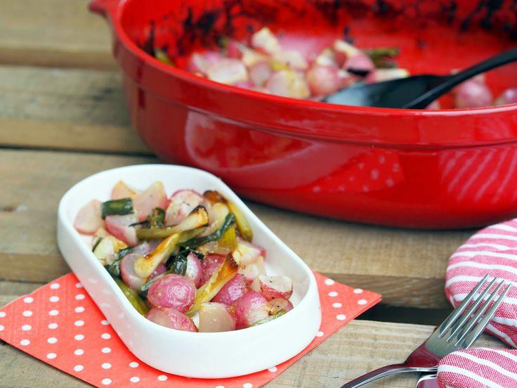 SMOOTH COOKING aneb vaříme hladce : GRILOVANÉ ŘEDKVIČKY S JARNÍ CIBULKOU V MEDOVÉM NÁL...