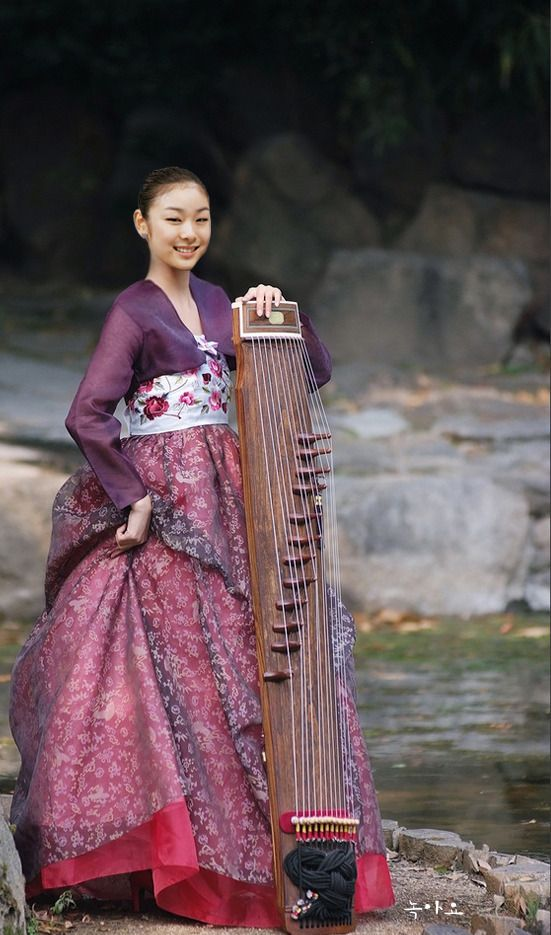 Travel Asian people and national costume Korean girl in hanbok