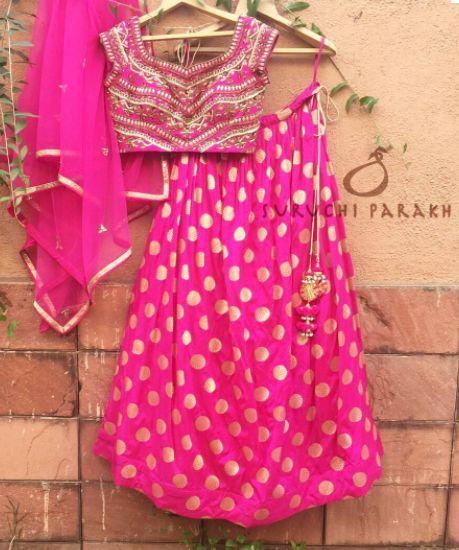 zardosi handwork pink lehenga! #indianwear #bridal #indiancolors #colorful #beautiful #lehenga #indian #wedding #ethenic #bride #bridesmaid #pink #zardosi #golden