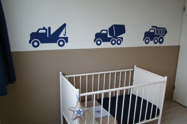 Stoere jongenskamer met voertuigen muurstickers
