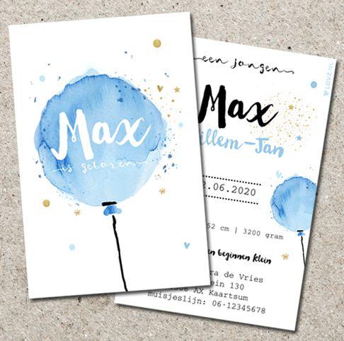 Hip enkel geboorte kaartje met grote watercolour ballon in pastelblauw. Goud glitter gekleurde sterren en hartjes. Alles is zelf aan te passen. Gratis verzending in Nederland en België.